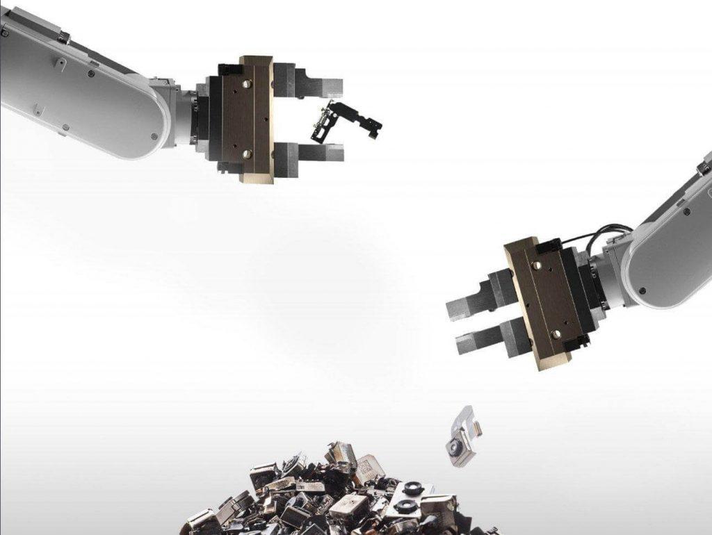 Daisy: Il robot Apple per il riciclo degli Iphone