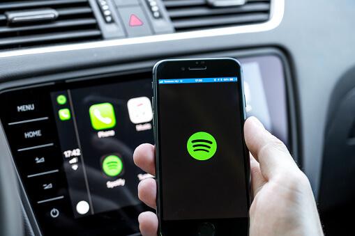 Hey Spotify: l'azienda inizia a lavorare ad un proprio assistente vocale