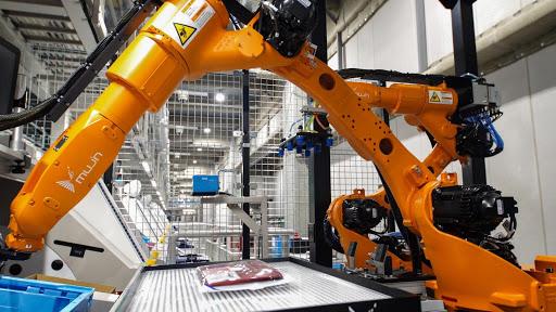 Mujin: Robot rimpiazza il 90% degli operai del magazzino Uniqlo di Tokyo