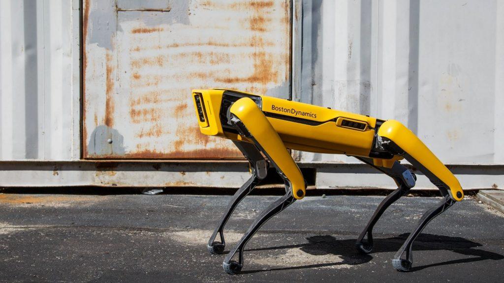 Boston Dynamics e SpaceX: il robot Spot monitora Starship