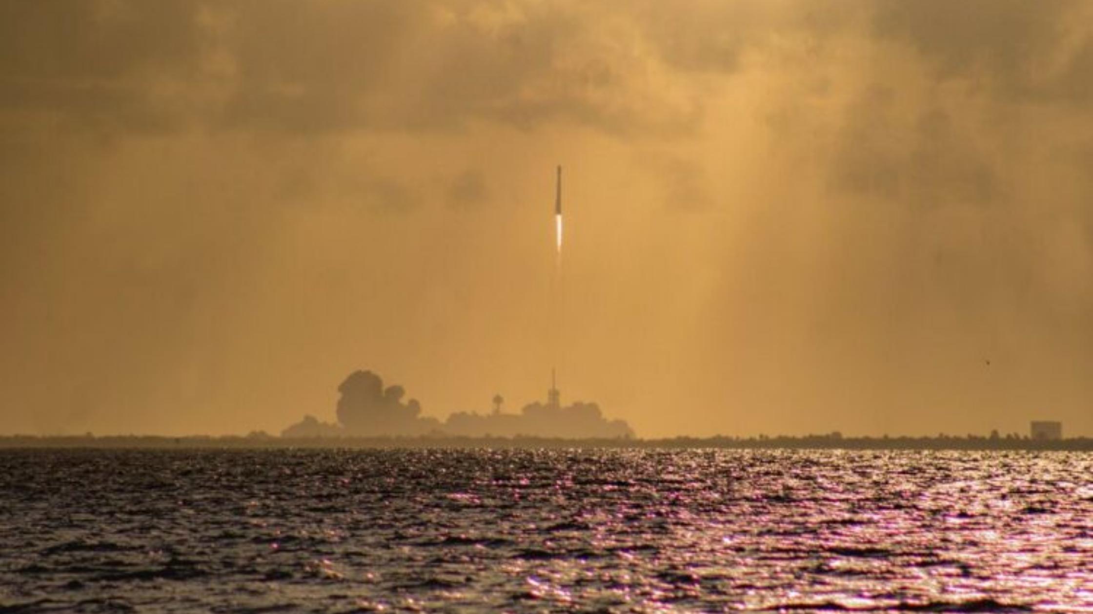 Pentagono e SpaceX valutano l'utilizzo di razzi cargo per la spedizione di merci a livello globale